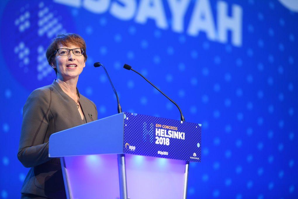 Essayah: Poikkeustoimilla oltava selvä määräaika – Orbanin kunnioitettava oikeusvaltioperiaatetta