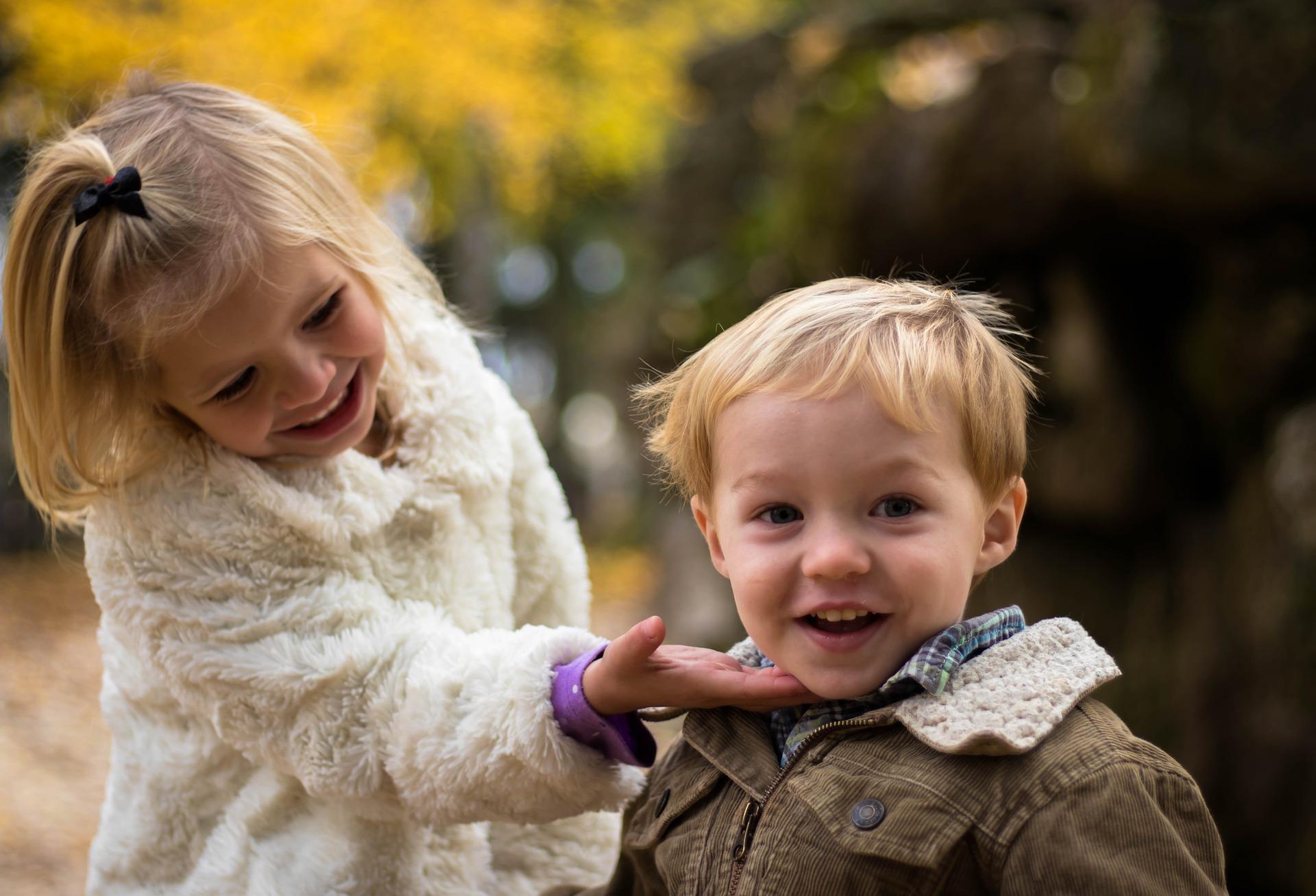 Puoluevaltuuston kannanotot - KD haluaa suojella lapsia pedofilialta
