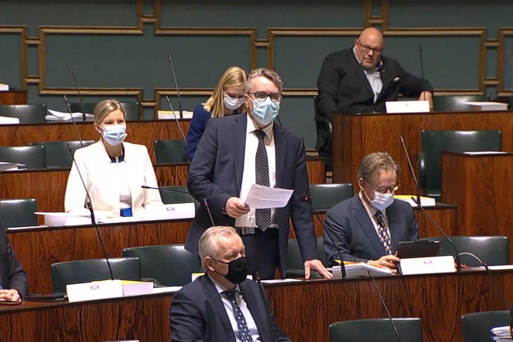 """Peter Östman ryhmäpuheenvuorossa: """"Hallituksen ideologiset painotukset näkyvät UTP-selonteossa"""""""
