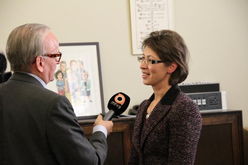 Presidenttiehdokas Sari Essayah haastattelussa