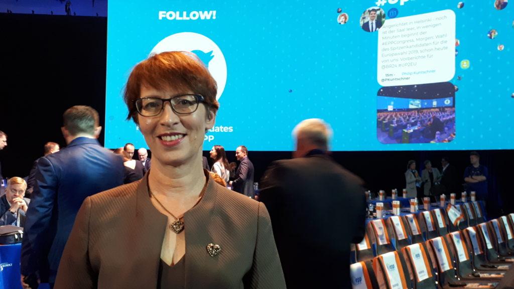 KD:n Essayah kongressipuheessaan: EPP:n säilytettävä arvopohjansa, EU:n palveltava kansalaisiaan